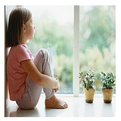 Ребенок один дома